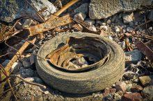 skládka, nelegální skládka, pneumatiky